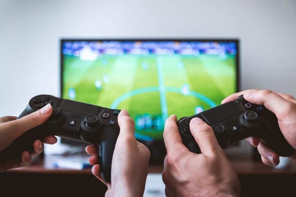 Gamecontroller-nerdweib-medienkompetenz