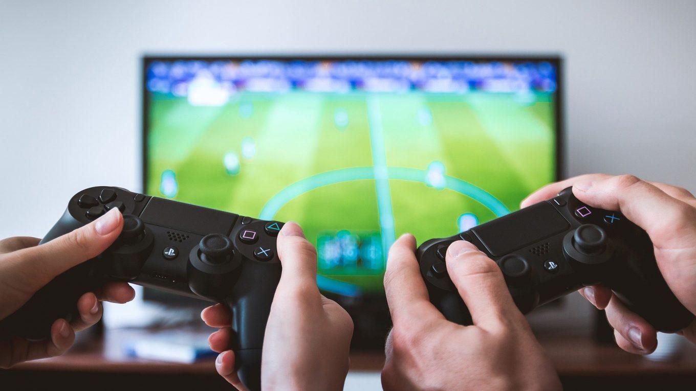 Gamecontroller-nerdweib-mediekompetenz